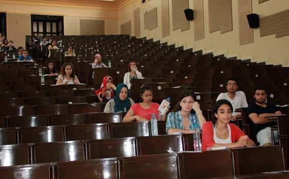 """Öğrenciler üniversiteye giriş sınavlarının da """"ortak sınav"""" şeklinde yapılsını istedi"""